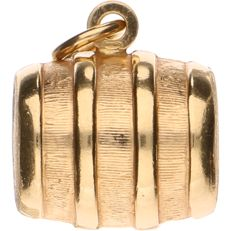 18 kt yellow gold pendant in the shape of a wine barrel - Length: 22.6 mm.