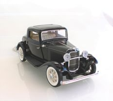 Franklin Mint - scale 1:24 - Ford Deuce Coupe 1932 - black with certificate B11TQ11