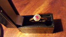 Yellow gold cluster ring with natural ruby and diamonds NO RESERVE PRICE!