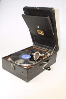 His Master's Voice case gramophone + 7 records