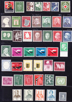 Federal Republic of Germany – 1953-1956 ANK 2016 no. 162-248. To a great extent complete, on stock card