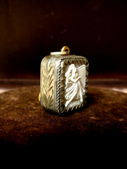Vintage silver 800 pendant with reuge music box and cameo silver vintage silver 800 pendant with reuge music box and cameo silver pendant music aloadofball Images
