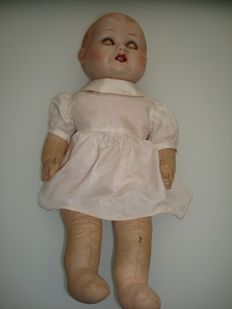 UNICA doll in porcelain