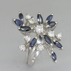 White gold ring with 1.00 ct in sapphire and 0.34 ct in brilliant cut diamonds - NO RESERVE
