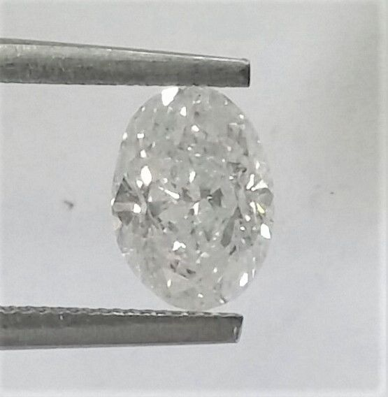 *** 1.32 carat Oval Diamond,  E color , SI2 clarity , AIG certified + Laser Inscription on Girdle