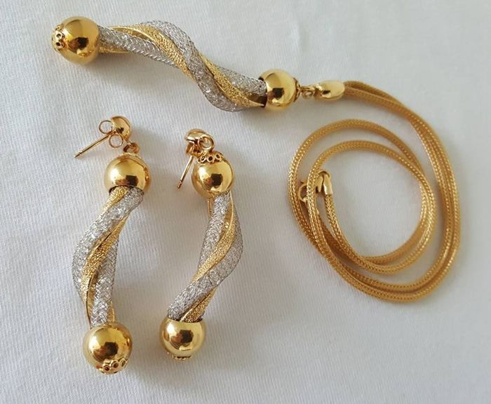 c21b0ed985 South Italian designer jewellery set, 18 kt (750) gold necklace and  earrings with sparkling diamonds – The necklace is 45 cm, the pendant is 7  cm