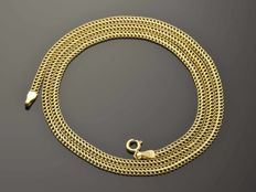 18k Gold Necklace. Chain. Length 50 cm. No reserve price.