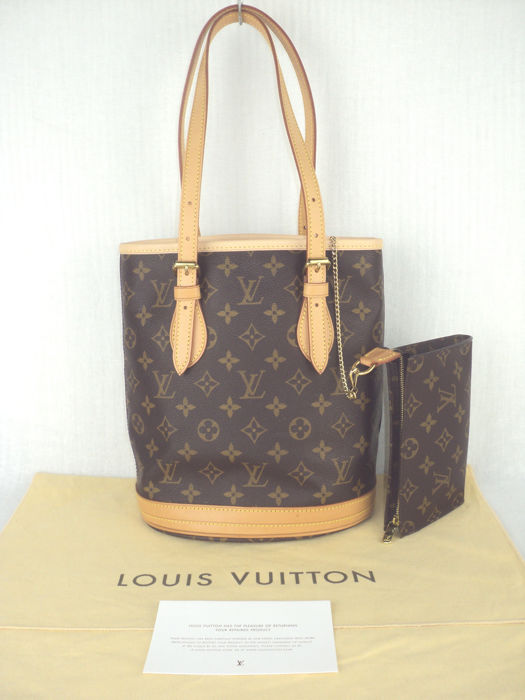 c80e64b831a7 Louis Vuitton - Monogram PM Bucket Bag with Pochette - As new ...