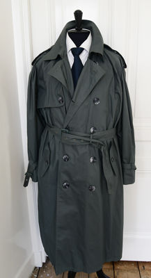 Yves Saint Laurent – trench coat