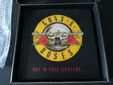 Guns N' Roses VIP Tour Book - Not in this lifetime 2017 Limited edition - Numbered