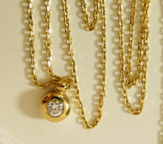 14 kt Yellow Gold Diamond Pendant, With 45 cm chain
