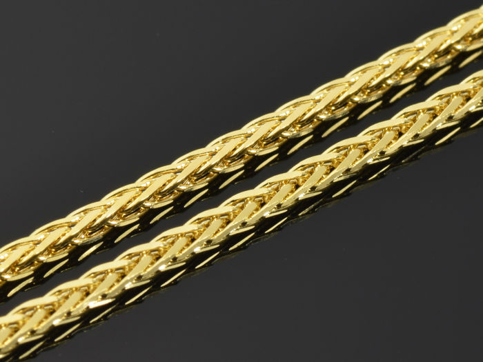 "18k Gold. Chain ""Wheat  rounded, diamond cut "" - 45 cm.  Weight 3.52 g."
