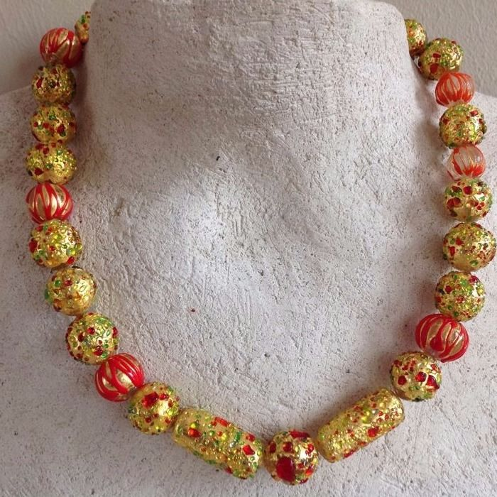 Necklace with 24 carat gold foil beads with lampwork decorations, ca 45,50 cm