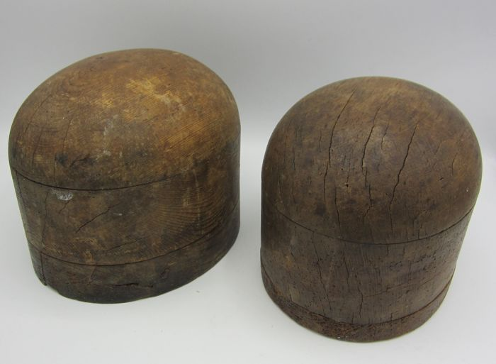 2 antique hats moulds - 19th century