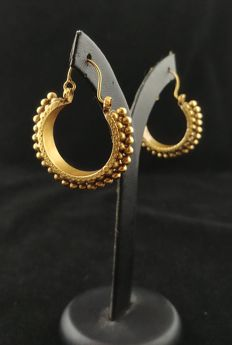 22 ct gold antique earrings - Rajasthan, Western India, early 20th century