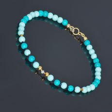 Turquoise and Agate bracelet with Sapphires and Diamond 0.07 carat   – Length 19.5 cm, 18kt/750 yellow gold clasp