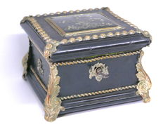 Jewellery box in blackened wood, brass, leather, mother-of-Pearl inlays and pewter - end XIX