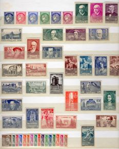 France 1938/1942 - 5 complete years - Yvert no. 372 to 567