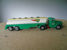Tekno-DK -  Scale 1/50 - Truck Volvo Air BP No.434