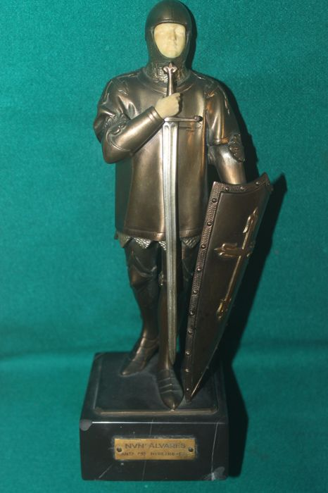 António Maria Ribeiro ( Portugal 1889-1962) D.Alvares Pereira or the Condestável saint statue in bronze and ivory