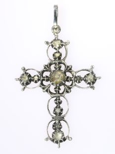 Antique Victorian cross with rose cut diamonds - ca. 1870