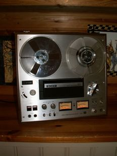 A beautiful tape recorder: Sony TC-378 with professional connection cables