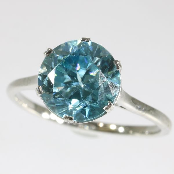 Vintage blue zircon (4.60ct) platinum ring -