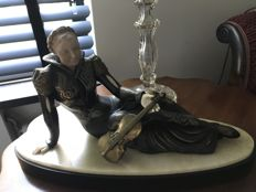 Seated lady with violin - Art Deco sculpture
