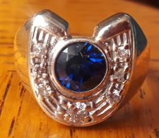 14 kt gold ring with sapphire and 0.40 ct diamonds - measurement 20 mm. No reserve price