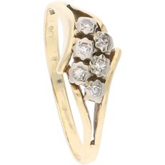 14 kt - Yellow gold ring set with six octagon cut diamonds, 0.06 ct in total, in a white gold setting - Ring size: