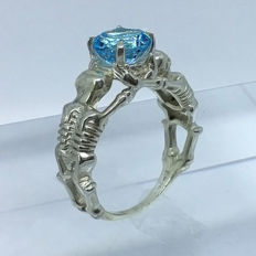 Skulls Swiss Topaz 2.60ct Men's Ring 925 silver - size 9