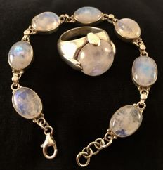 925 Silver Moonstone Ring size P and matching bracelet 19 cms