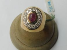 Ring in 18 kt gold with diamonds, 0.4 ct, and ruby - inner measurement: 17.5 mm