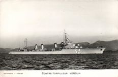 Navy ships France 46 x - Mostly Cruisers and other naval vessels - 1945/1960