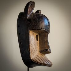 Old tribal mask - KWESE - D.R Congo - Central Africa