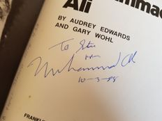 Muhammad Ali (RIP) - hand signed old book  + PSA/DNA quickscan