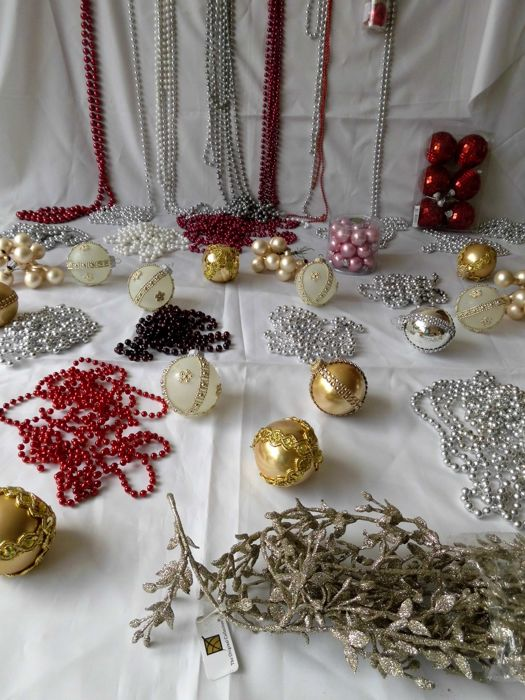 Large lot of Christmas balls, strings of beads