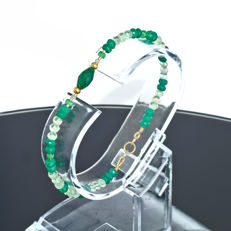 Jade pearl and Lemon quartz bracelet with Emeralds and Diamonds 0.14 carat total weight  – Length 19 cm, 18kt/750 yellow gold clasp