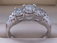Certified gold ring with a trio of diamonds - 1.00 ct - Ring size: 17.60 mm - **No reserve price**