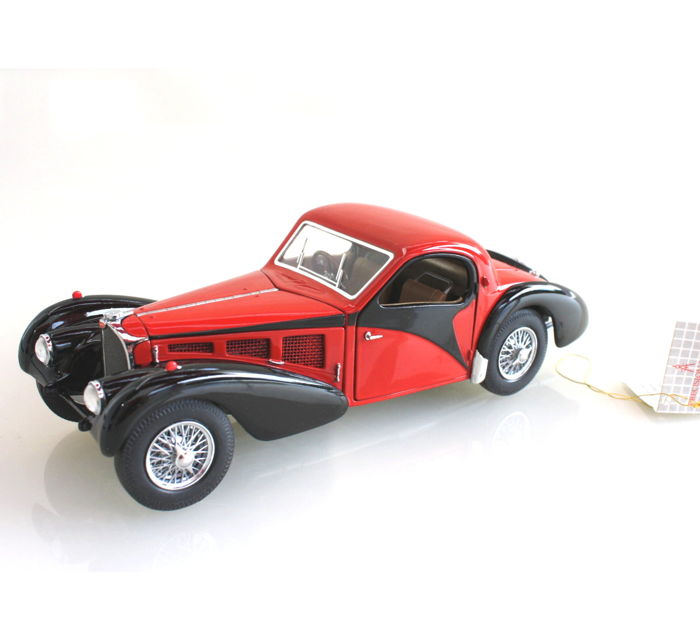 Franklin Mint - scale 1:24 - Bugatti type 57SC 1936 - red with certificate B11RP48