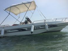 Romar Mirage 570 speedboat, built by the Italian shipyard Romar (Salerno), in excellent condition, and seaworthy.
