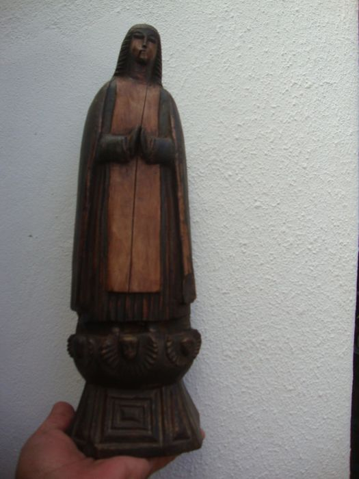 Carved wooden Madonna Sculpture - Portugal - 18th/19th century