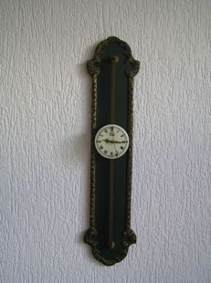 Saw clock – Late 20th century