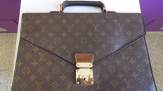 Louis Vuitton Monogram Business Bag Leather.