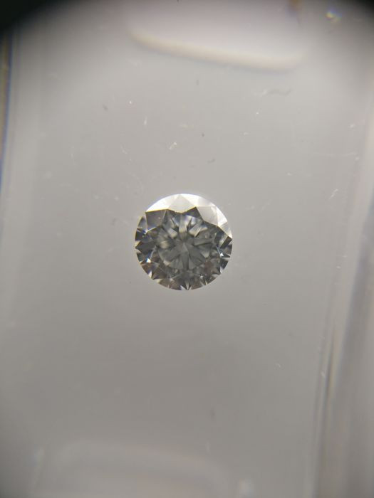 0.40 ct Round cut diamond F SI1