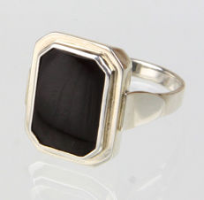 Men's ring made of 835 onyx silver