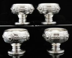 Set of 4 Celtic Knot Design Silver Salt Cauldrons, Birmingham 1910, Henry Matthews