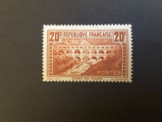 France 1931 - Pont du Gard 20 fr. Type IIB - Yvert no. 262