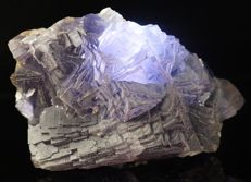 Big Gemmy color change blue/purple Fluorite specimen with nice step crystals - 11,2 x 7,0 x 4,5 cm - 542 gm