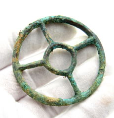 """Ancient Roman bronze open work pendant shaped as wheel - """"the Wheel of Fortune"""" - 51 mm"""